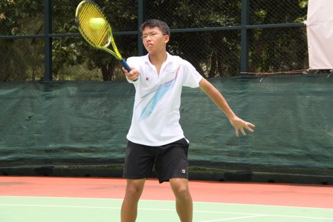 A great forehand volley by Brian Yeung